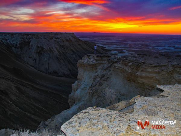 Батыс Үстірт етегіндегі шатқалдар (ФОТО)